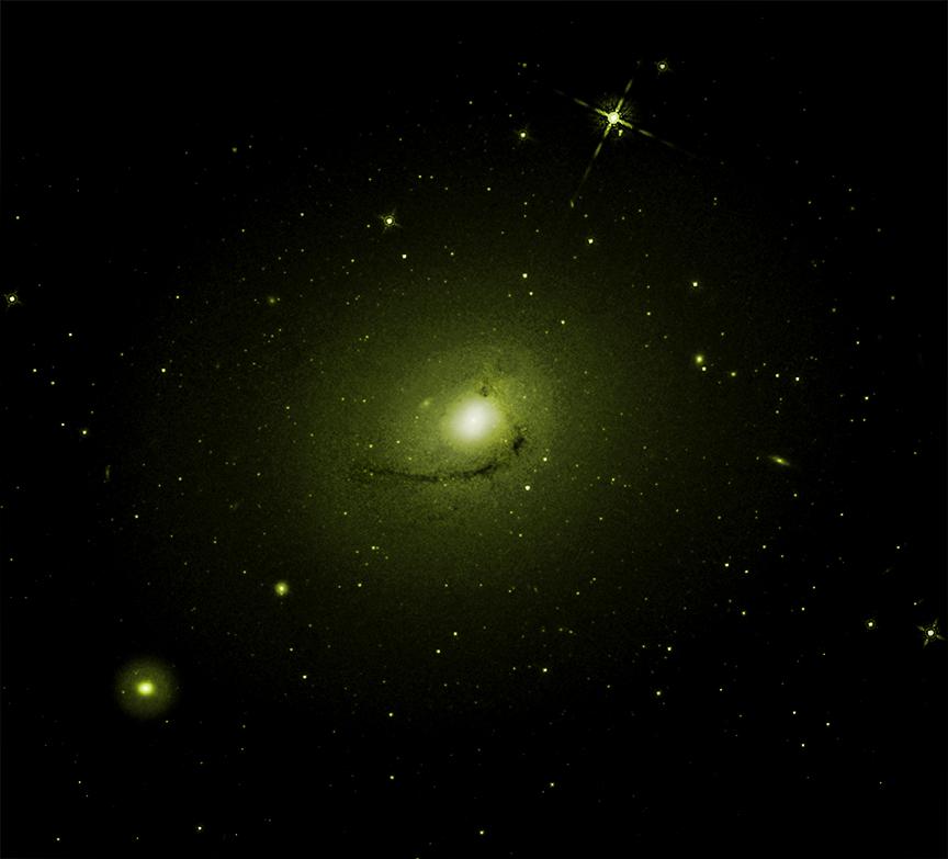 Галактика NGC 4696 в оптическом диапазоне